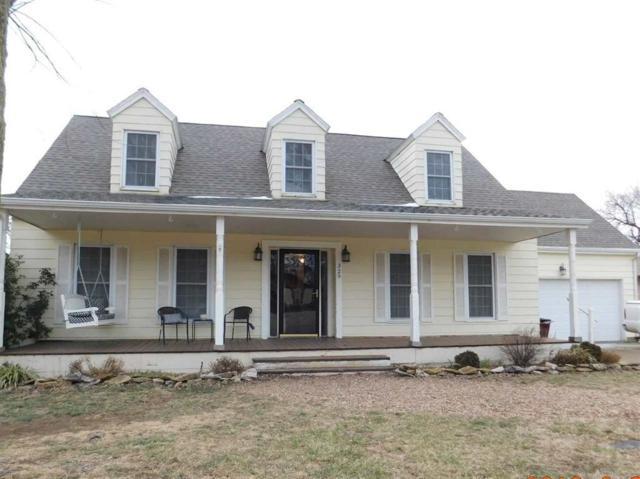 329 W Arbor View Dr, Belle Plaine, KS 67013 (MLS #562368) :: On The Move