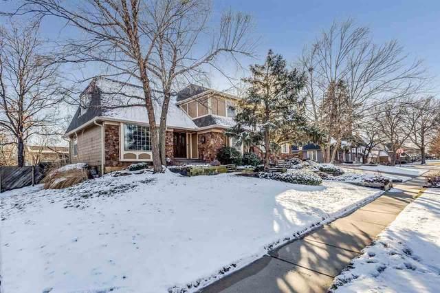 8719 E Brentmoor Ln, Wichita, KS 67206 (MLS #577830) :: On The Move