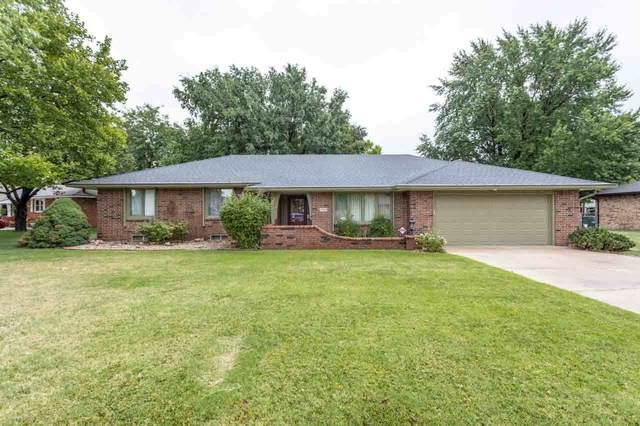 1720 N West Lynn Street, Wichita, KS 67212 (MLS #582763) :: Jamey & Liz Blubaugh Realtors