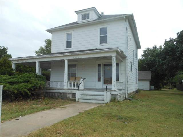 1023 E 1st St, Newton, KS 67114 (MLS #585927) :: Graham Realtors