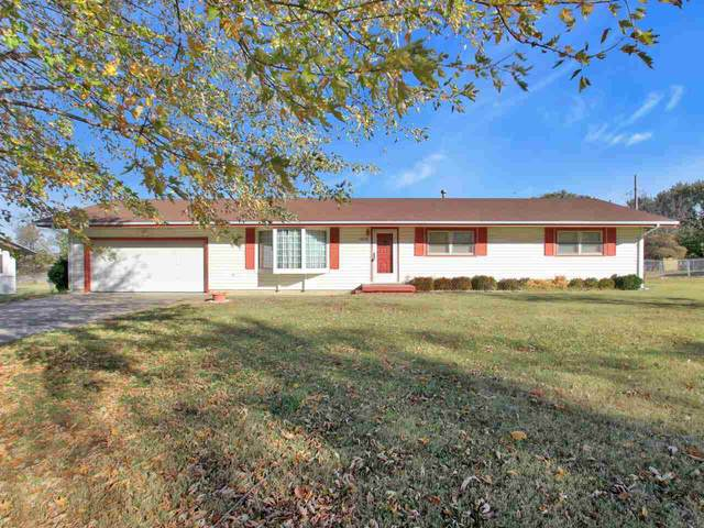 4636 S Southeast, Wichita, KS 67210 (MLS #588612) :: Jamey & Liz Blubaugh Realtors
