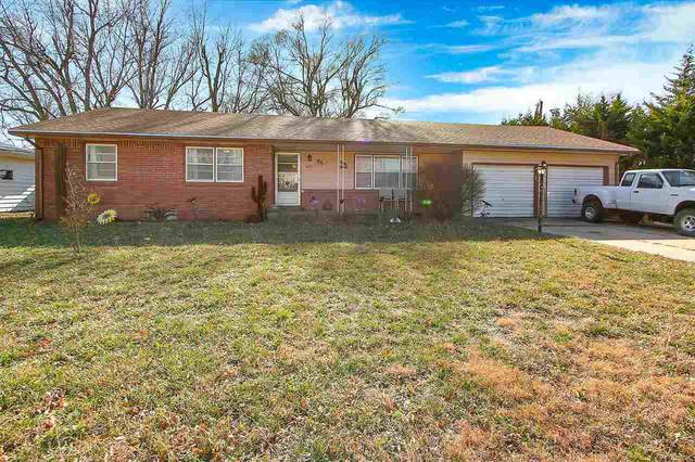 1417 W 6th St, Newton, KS 67114 (MLS #589593) :: Kirk Short's Wichita Home Team