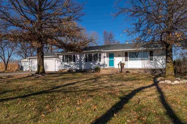 8611 N Hesston Rd, Hesston, KS 67062 (MLS #589671) :: Jamey & Liz Blubaugh Realtors