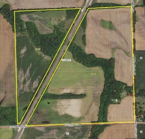 1217 N Woodlawn Rd, Belle Plaine, KS 67013 (MLS #597804) :: Keller Williams Hometown Partners