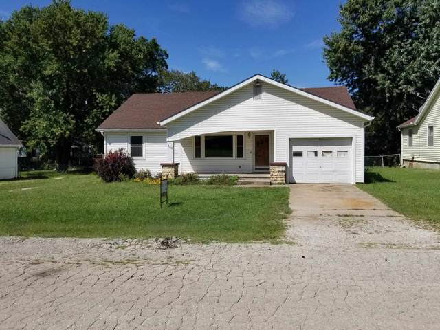 115 S Greenwood, Eureka, KS 67045 (MLS #600047) :: Graham Realtors