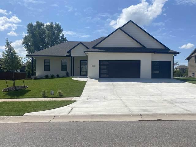 14401 W Valley Hi Rd, Wichita, KS 67235 (MLS #601404) :: Graham Realtors