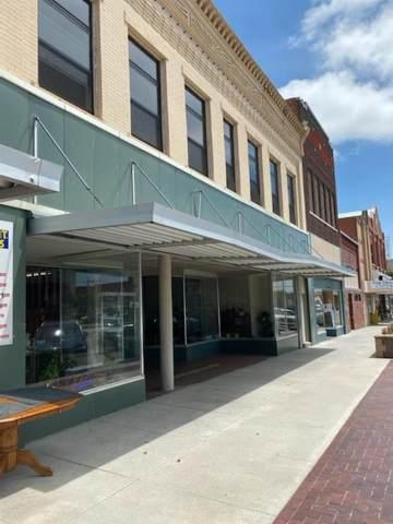 310 S Main, Pratt, KS 67124 (MLS #602407) :: COSH Real Estate Services