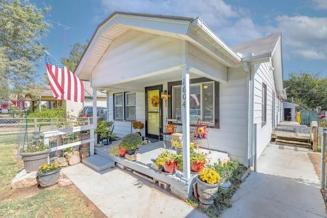 1604 N 7th St, Arkansas City, KS 67005 (MLS #603333) :: Kirk Short's Wichita Home Team