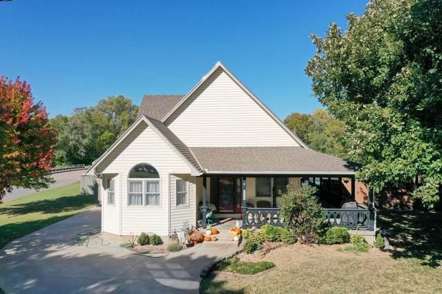 312 Brookside Dr, Newton, KS 67114 (MLS #603883) :: Kirk Short's Wichita Home Team