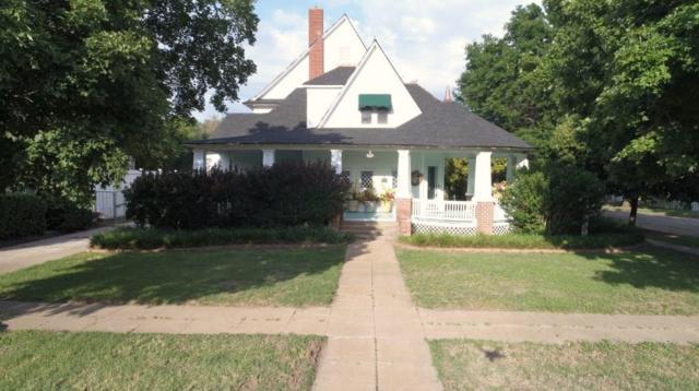 923 S Washington Ave, Wellington, KS 67152 (MLS #532690) :: Better Homes and Gardens Real Estate Alliance