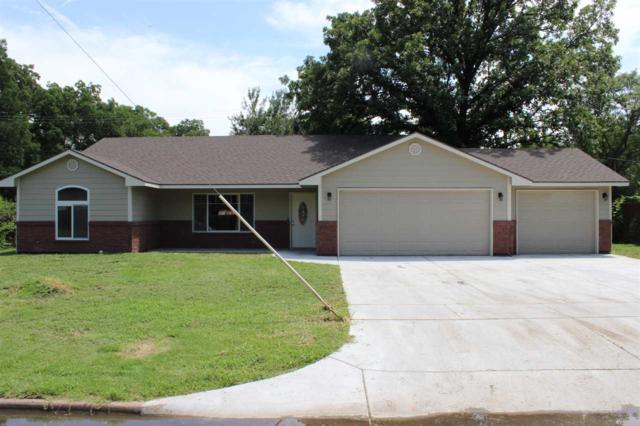 415 W 3rd, Valley Center, KS 67147 (MLS #549316) :: On The Move