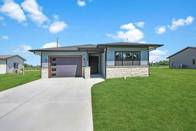 1130 N Washington St, Belle Plaine, KS 67013 (MLS #577584) :: Keller Williams Hometown Partners
