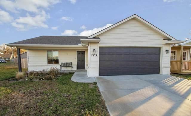 1303 E Maywood St, Wichita, KS 67216 (MLS #586915) :: On The Move