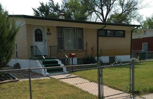 2302 S Glenn St, Wichita, KS 67213 (MLS #601233) :: The Terrill Team
