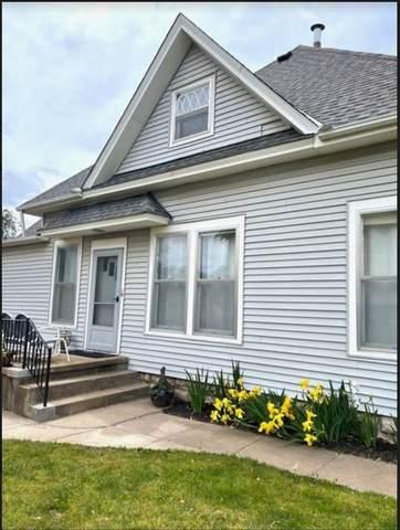 315 E 10th Street, Wellington, KS 67152 (MLS #591913) :: COSH Real Estate Services