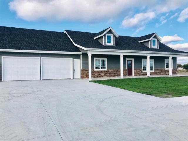 212 Redbud, Moundridge, KS 67107 (MLS #548572) :: Better Homes and Gardens Real Estate Alliance