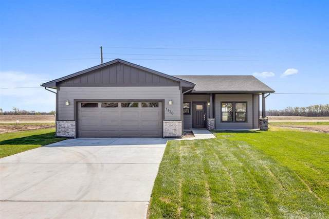 1120 N Washington St, Belle Plaine, KS 67013 (MLS #575760) :: Graham Realtors