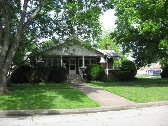 321 N Myrtle, Eureka, KS 67045 (MLS #504825) :: Select Homes - Team Real Estate