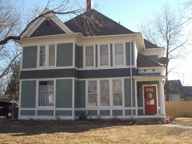 801 E 8TH AVE, Winfield, KS 67156 (MLS #529775) :: On The Move
