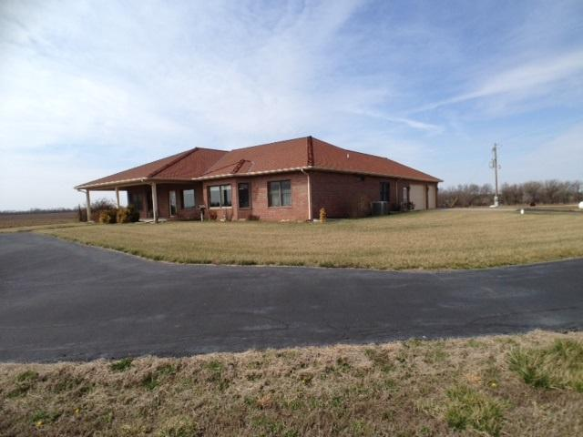 3153 SW Santa Fe Lake Rd, Towanda, KS 67144 (MLS #532394) :: Glaves Realty