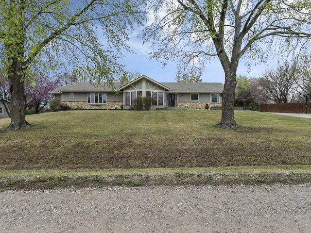 1331 S Aldrich Dr, Andover, KS 67002 (MLS #533225) :: Select Homes - Team Real Estate