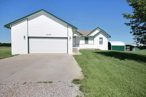 1255 E 101ST ST N, Valley Center, KS 67147 (MLS #537208) :: Katie Walton with RE/MAX Associates