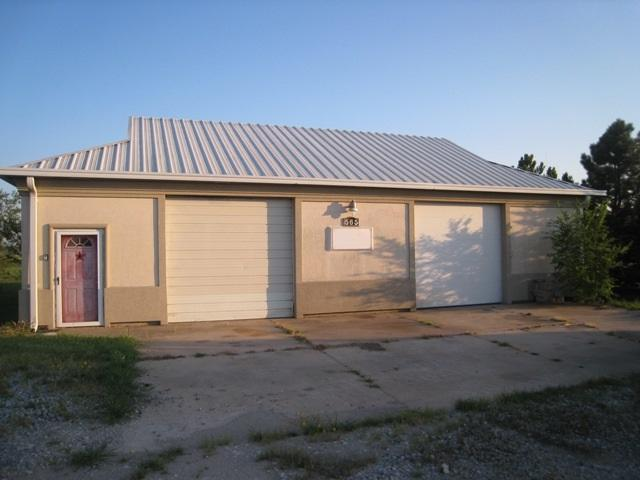 565 W Clay, Valley Center, KS 67147 (MLS #538544) :: Glaves Realty