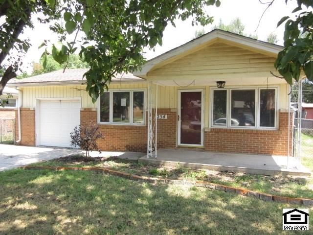 254 N Sunnyside Rd, Haysville, KS 67060 (MLS #539818) :: Better Homes and Gardens Real Estate Alliance