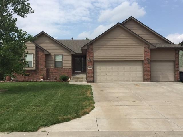 708 Sprucewood, Park City, KS 67147 (MLS #539842) :: Better Homes and Gardens Real Estate Alliance