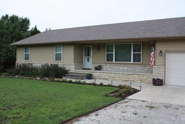 3419 Meadowlark Ln, Winfield, KS 67156 (MLS #540224) :: Select Homes - Team Real Estate