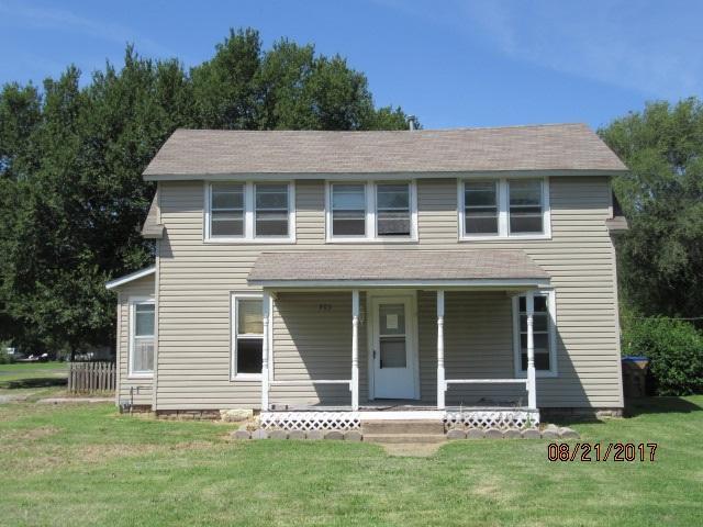 203 N Walnut Street, Douglass, KS 67039 (MLS #540632) :: On The Move