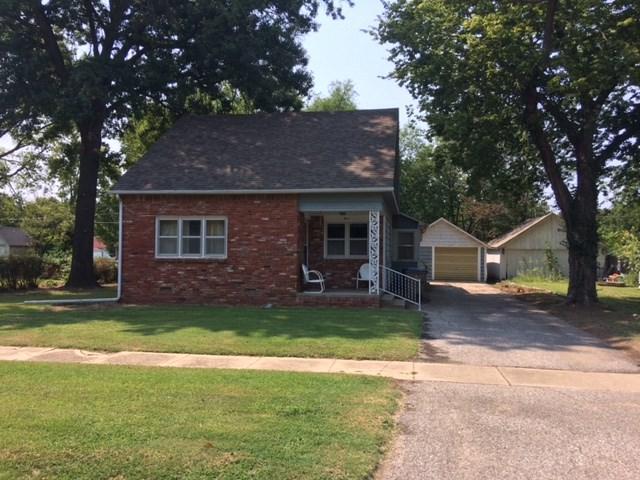 811 N Linden, Belle Plaine, KS 67013 (MLS #540960) :: Select Homes - Team Real Estate