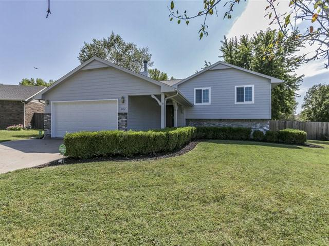 3702 N Rushwood Ct, Wichita, KS 67226 (MLS #541686) :: Glaves Realty