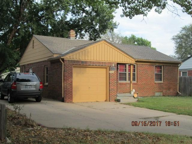2444 N Porter Ave, Wichita, KS 67204 (MLS #541721) :: Glaves Realty