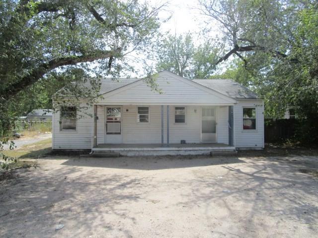 1011 E Kinkaid St 1013 E Kinkaid , Wichita, KS 67211 (MLS #542313) :: Select Homes - Team Real Estate