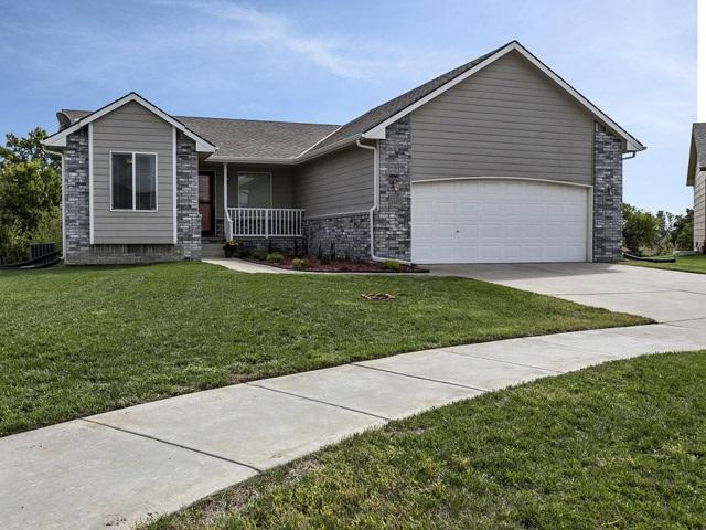 1421 E Rough Creek Pl, Derby, KS 67037 (MLS #542755) :: Better Homes and Gardens Real Estate Alliance