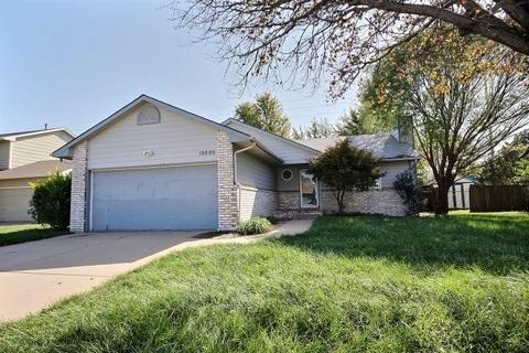 10809 W Blake Cir, Wichita, KS 67209 (MLS #542788) :: Select Homes - Team Real Estate