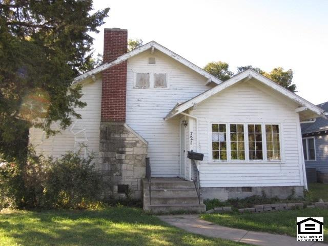 721 E Broadway St, Newton, KS 67114 (MLS #543072) :: Katie Walton with RE/MAX Associates