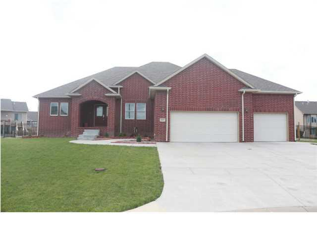 2201 N Foxfire Ct, Augusta, KS 67010 (MLS #544410) :: Select Homes - Team Real Estate