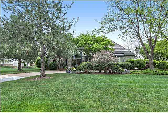 1014 N Linden Cir, Wichita, KS 67206 (MLS #545520) :: Select Homes - Team Real Estate