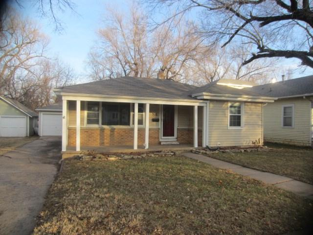 516 Topeka St., El Dorado, KS 67042 (MLS #545630) :: Glaves Realty