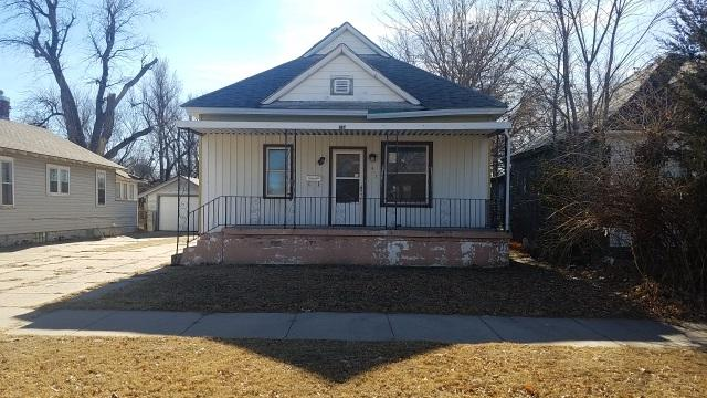 617 E 3RD AVE, Hutchinson, KS 67501 (MLS #545824) :: Select Homes - Team Real Estate
