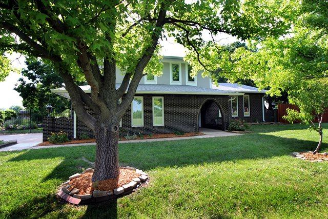 21 N High Point, Valley Center, KS 67147 (MLS #545903) :: Glaves Realty