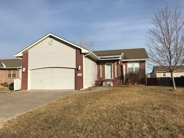 610 Hedgewood Ct, Andover, KS 67002 (MLS #545914) :: On The Move
