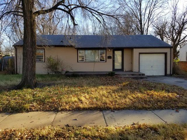 1519 E Luther, Wichita, KS 67216 (MLS #546031) :: On The Move