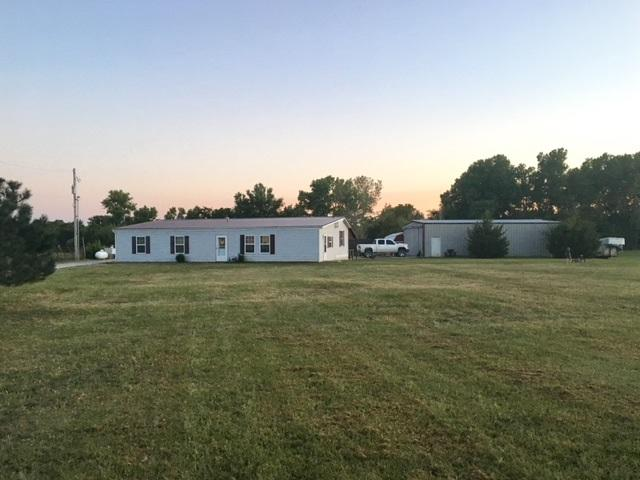 21483 102nd Rd, Burden, KS 67019 (MLS #546044) :: Select Homes - Team Real Estate