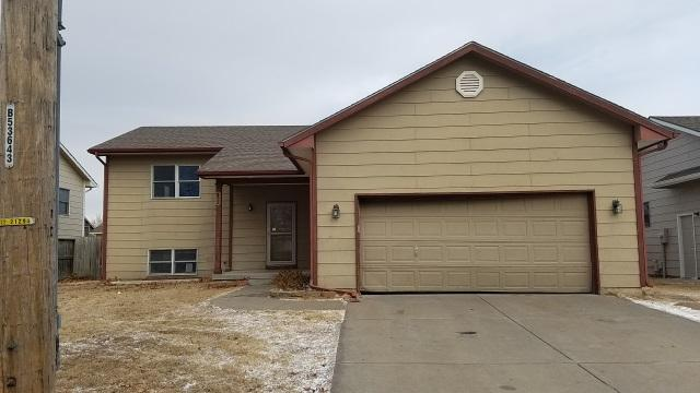 620 W 5th St, Valley Center, KS 67147 (MLS #546105) :: Glaves Realty