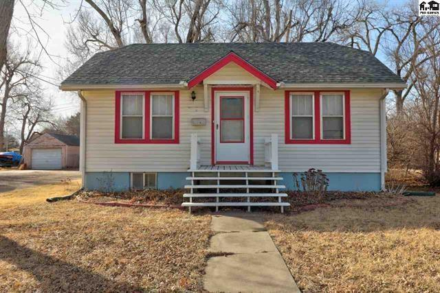 119 N Charles St, Mcpherson, KS 67460 (MLS #547439) :: Wichita Real Estate Connection