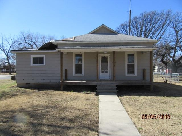 1122 S Washington Avenue, Wellington, KS 67152 (MLS #548002) :: Better Homes and Gardens Real Estate Alliance
