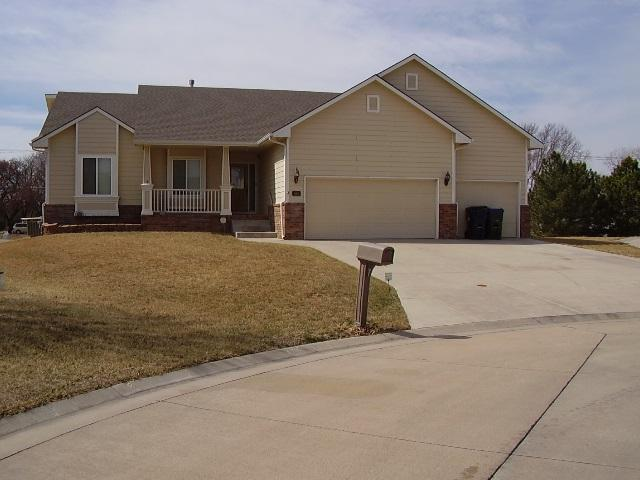 506 Autumn Glen Ct., Newton, KS 67114 (MLS #548167) :: Select Homes - Team Real Estate